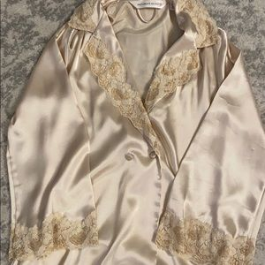 Victoria's Secret robe with pockets
